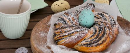 Süßer Mohnkranz für das Osterfest - Bild
