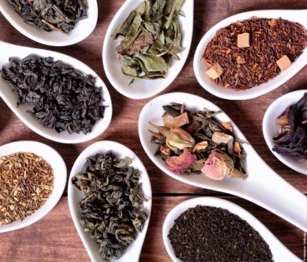Grün oder Schwarz - Kleines Tee Lexikon - Bild