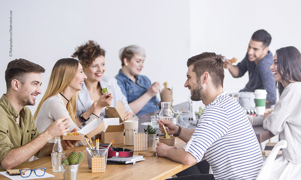 Gesund Mittagessen im Büro