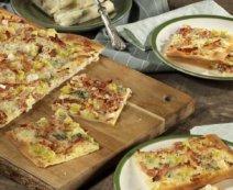 Flammkuchen mit Gorgonzola
