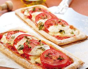 Pizzaschnitten Tomate-Mozzarella
