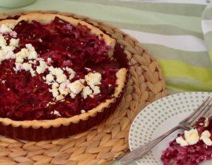 Rotkraut-Quiche mit Apfel